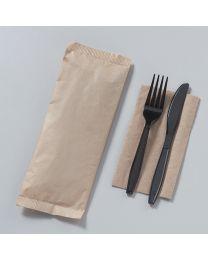 Πλαστικό μαύρο κουβέρ 18 cm συσκευασμένο σε kraft χαρτί